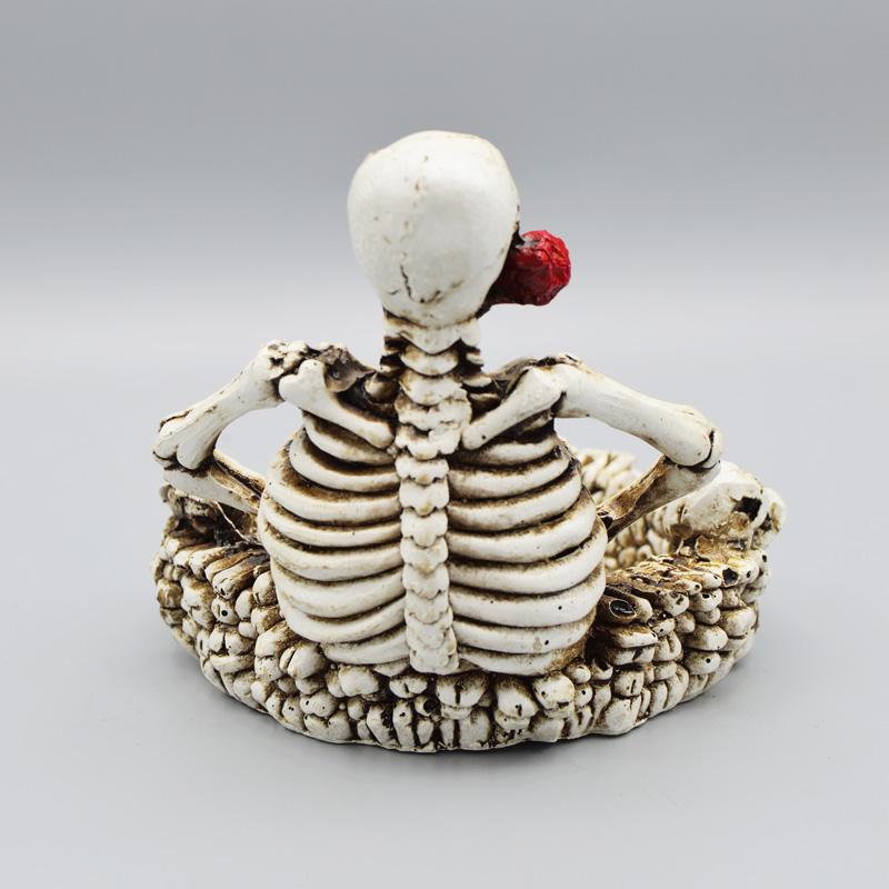 زیرسیگاری اسکلت عاشق مدل گل تو دهان کد Pzsk035 رنگ استخوانی